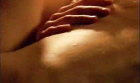 Femme tatouée poilue gémit alors qu'elle se fait aflam porno arab baiser dans une vidéo maison