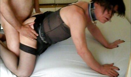 Solo hot tub gode baise et glace dans le video porno amateur arab trou du cul