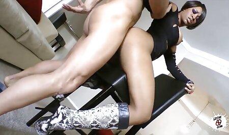 Fille en porno nike arabe robe très courte et bas