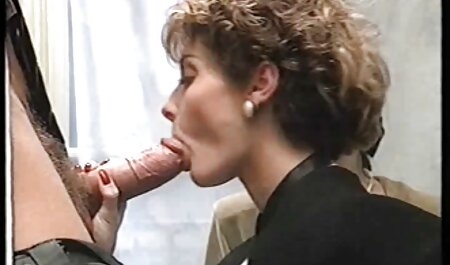 Enfoncer sa viande de cul prolapsus avec un gode gigantesque film x en arabe