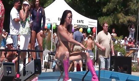 Kelsey Kage reçoit porno arabe sauvage un grand soin du visage